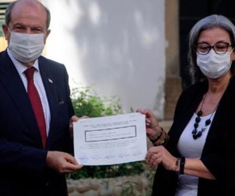 KKTC Cumhurbaşkanı Tatar, mazbatasını aldı
