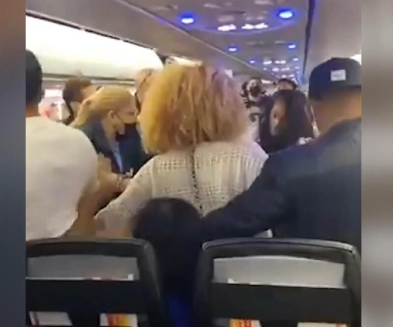 Yolcu uçağında 'maske' kavgası