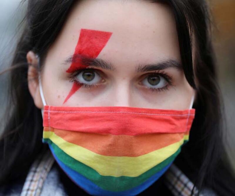 Polonya'da kürtaj yasasına erteleme kararı