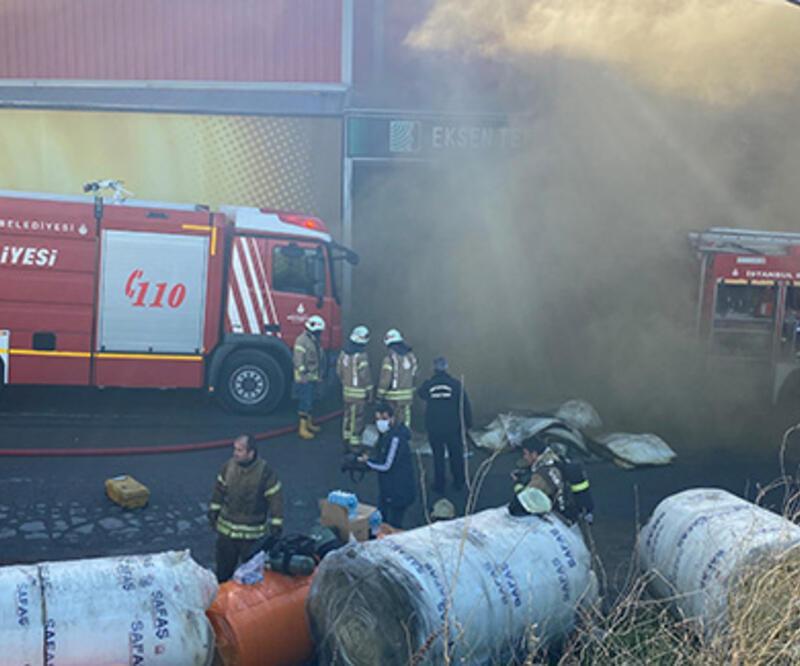 Tuzla'da sünger fabrikasında yangın