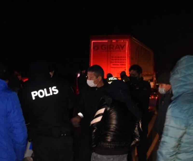Sokağa çıkma yasağında otomobil yarışı için buluşan 63 kişiye ceza   Video