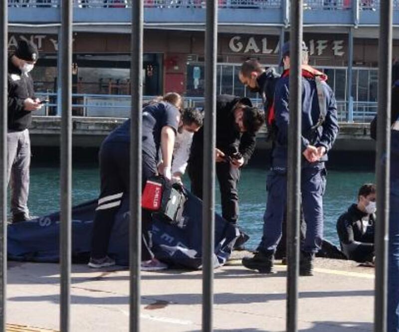 Karaköy'de denizden ceset çıkarıldı