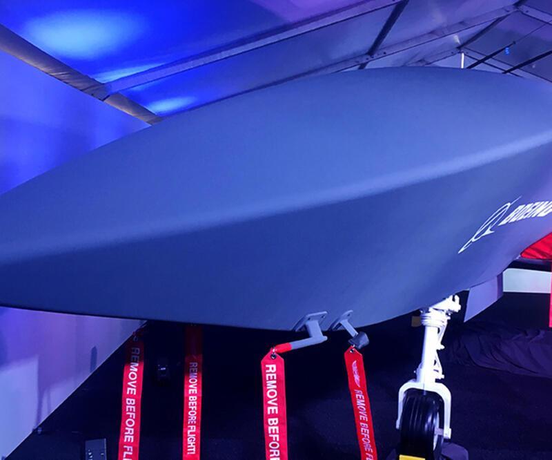 İnsansız savaş uçağı ilk kez uçtu