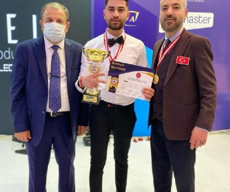 Muşlu kuaför Tekin, Antalya'daki festivalden ödülle döndü