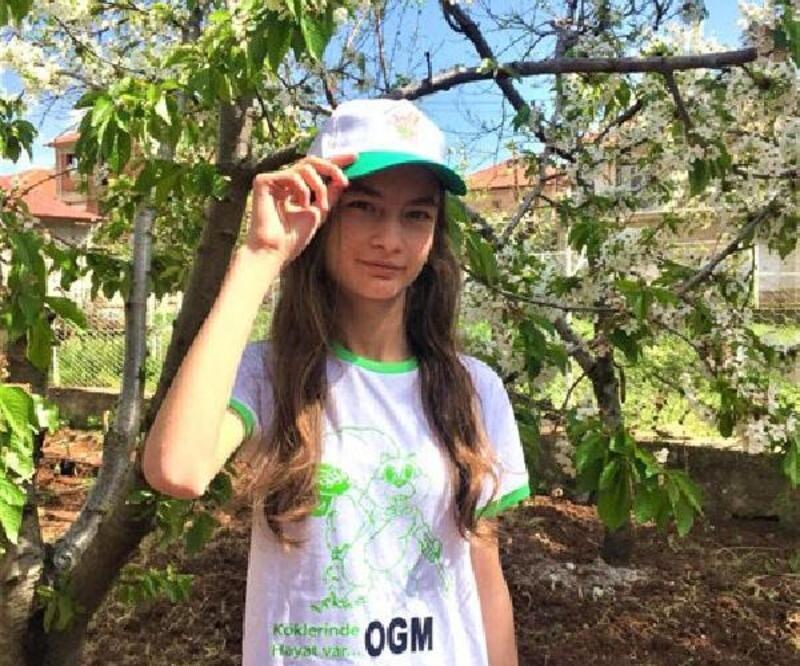 Çocuklara doğa bilinci için 'Ormanı seviyorum' yazılı tişört