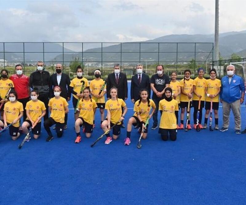 Aday sporcular, Hokey Milli Takım Kampı için Osmaniye'de