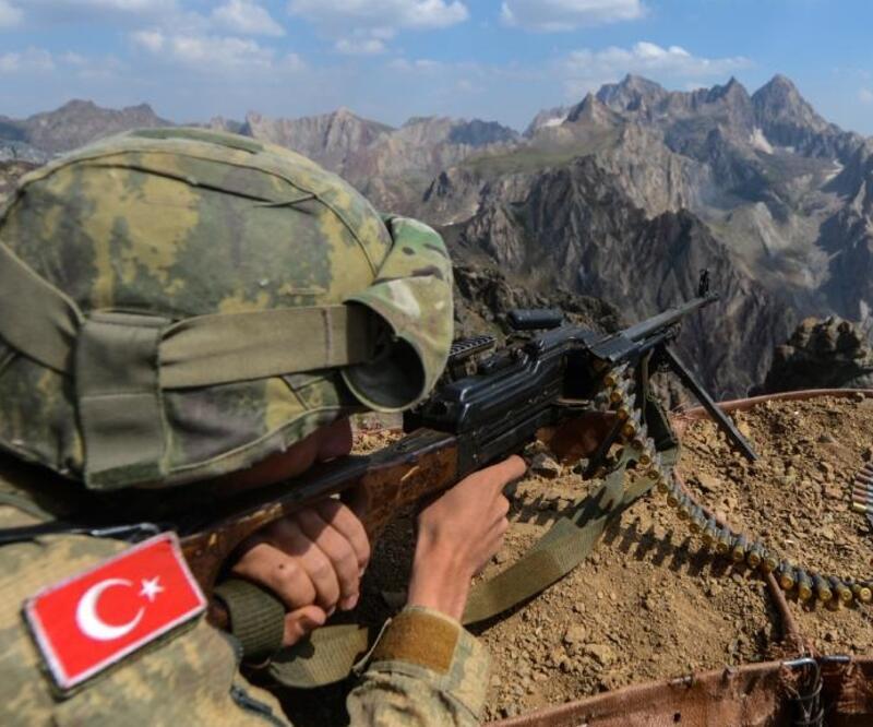 Son dakika... MSB: Gara bölgesinde 8 PKK'lı terörist etkisiz hale getirildi