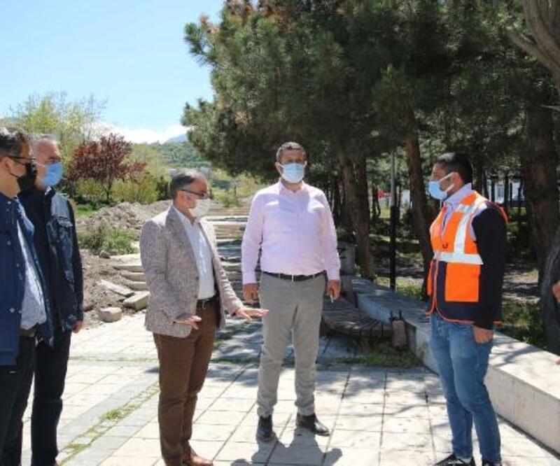 Başkan Özdoğan, 15 Temmuz Şehitler Parkında inceleme yaptı