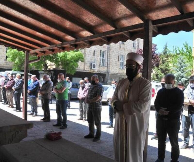 Filistin'de hayatlarını kaybedenler için gıyabi cenaze namazı