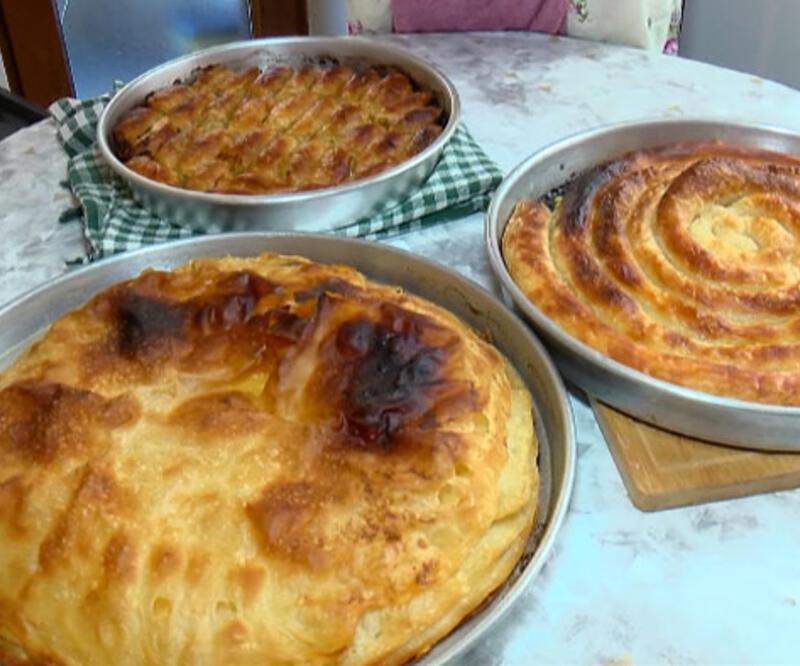 Bayram önceci Boşnak kadınlarının börek mesaisi