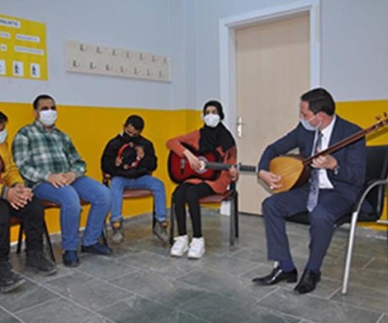 Kumlu'da görme engelliler için müzik kursu