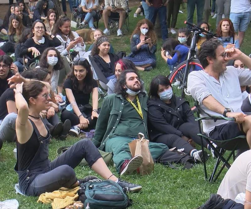 Maçka Parkı'nda sosyal mesafesiz konser