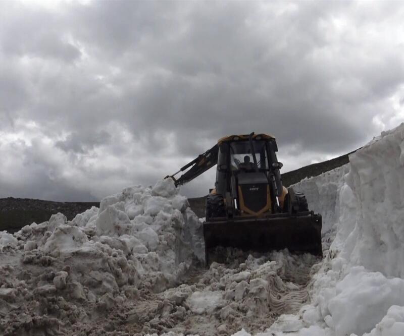 Haziran ortasında karla mücadele
