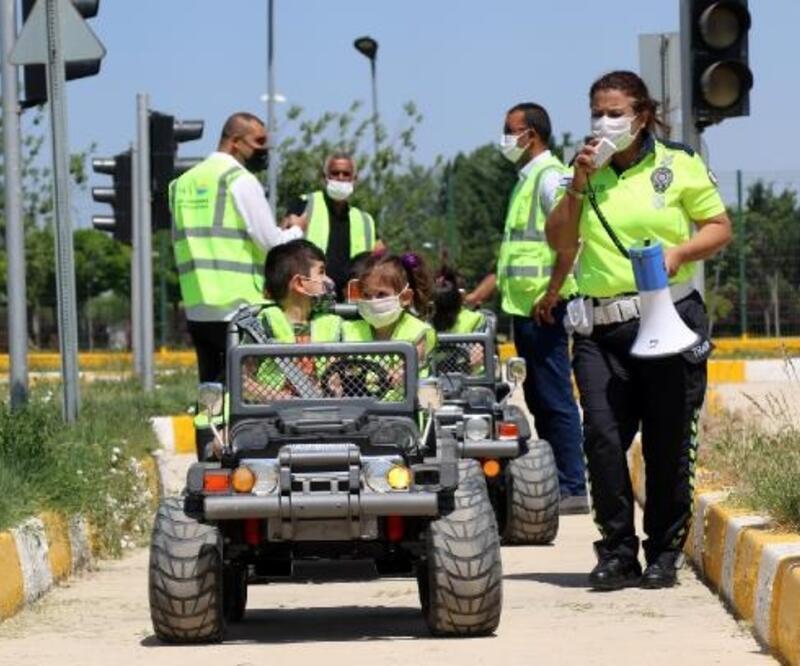 Van Büyükşehir Belediyesi'nden çocuklara trafik eğitimi