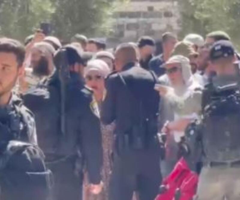"""Kudüs'te """"Polis korumalı baskın"""""""