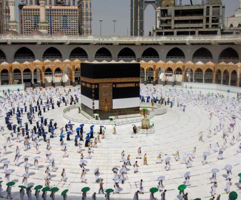 Suudi Arabistan, 10 Ağustos'ta başlayacak Umre ziyaretleri için COVID-19 aşısı olma şartı getirdi