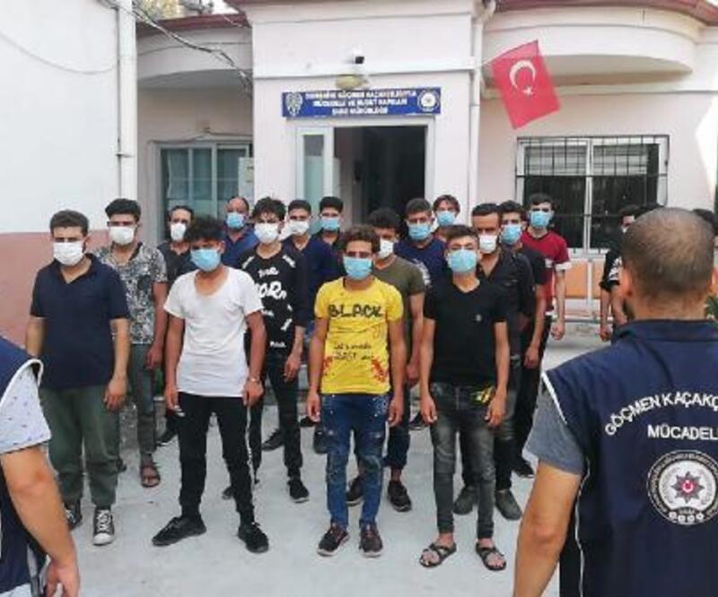 14 kişilik minibüsten 20'si kaçak, 28 Suriyeli çıktı