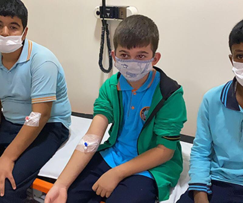 29 öğrenci, zehirlenme şüphesiyle hastanelik oldu