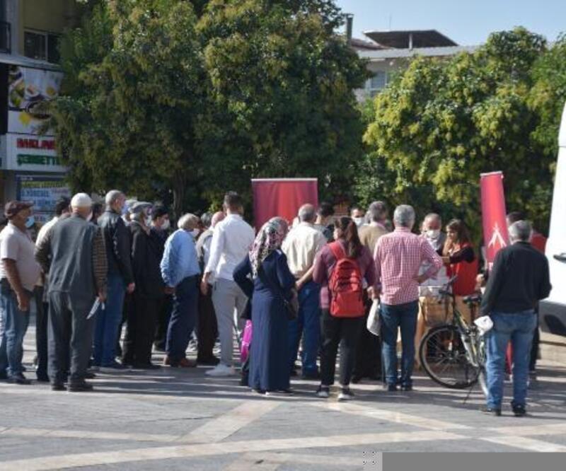 Faik Erdoğan Vakfı, Malatya'da kandil simidi dağıttı