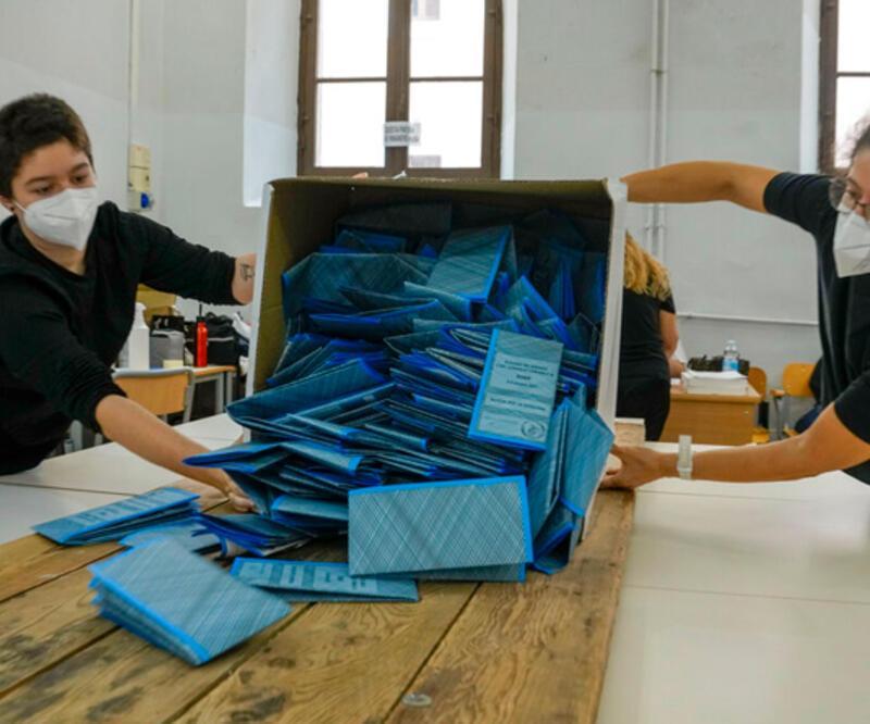 İtalya'da kısmi yerel seçimin ikinci turu yapılıyor