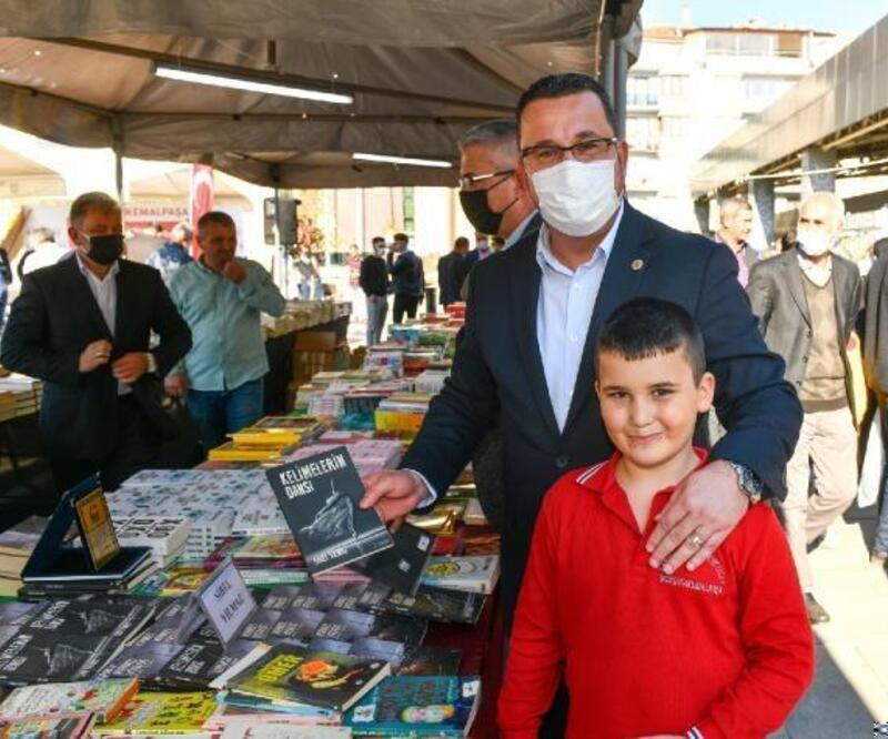 Mustafakemalpaşa'da 'Kitap Günleri' başladı